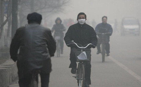 main_air-pollution-linfen-bicycle___